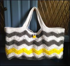 April's Archives: Chevron Tote Crochet Pattern