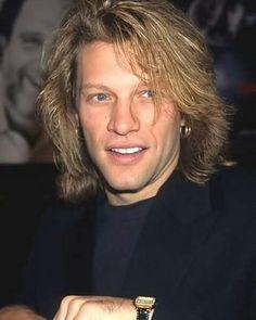 Jon Bon Jovi 1995. @suelimariarufino   Instagram