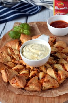 Cupcakes, Camembert Cheese, Healthy Snacks, Grilling, Food And Drink, Pizza, Cooking, Ethnic Recipes, Party