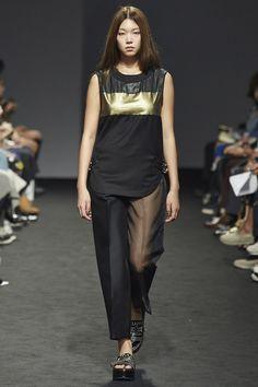 Kaal E.Suktae Seoul Spring 2016 Fashion Show