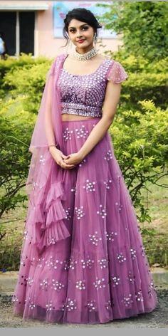 Girls Frock Design, Long Dress Design, Jewellery Designs, Gold Jewellery, Chanya Choli, Indian Lehenga, Frocks For Girls, Engagement Outfits, Lehenga Designs