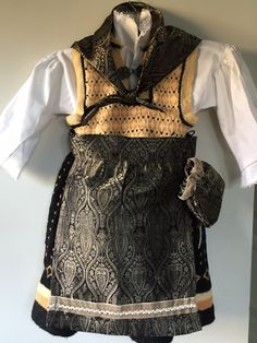 "Homemade ""bunad"" Homemade, Knitting, Tops, Women, Fashion, Moda, Home Made, Tricot, Fashion Styles"