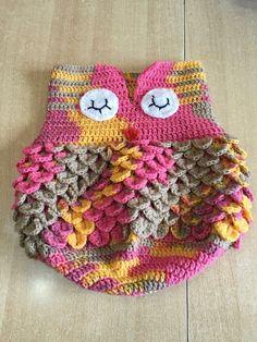 Tuto nid d'ange chouette au crochet Crochet Cocoon, Crochet Diy, Crochet Amigurumi, Crochet Bebe, Crochet Hats, Baby Cocoon Pattern, Crochet Patron, Owl Patterns, Crochet Blouse