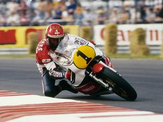 Kenny Roberts on his Yamaha YZR500during the... at Legends of Racing