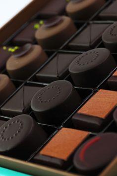Frank Haasnoot Luxury Chocolate, Custom Chocolate, Chocolate Dreams, Death By Chocolate, I Love Chocolate, Chocolate Shop, Chocolate Gifts, Chocolate Molds, How To Make Chocolate