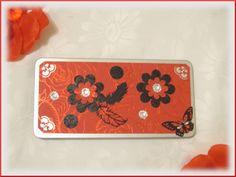 Eine edel gestaltete Schokoverpackung, Geschenkverpackung für Schokolade, Stifte,  chokolate box