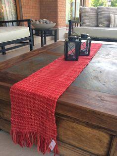 Camino de mesa en arpillera bordado con detalles de - Caminos de mesa originales ...