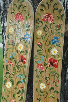 Bauernmalerei skis. Repinned by www.mygrowingtraditions.com