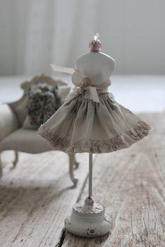 Dupioni Silk Skirt. Blythe size