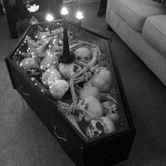 Coffee table. No idea who made it or where it's from because fucking Tumblr.