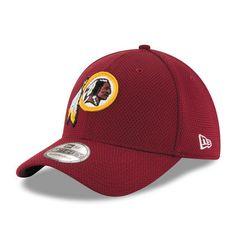 8d5c741d5 Men s New Era Burgundy Washington Redskins Sideline Tech 39THIRTY Flex Hat