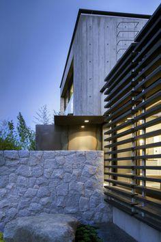 Casa Cloister + Laneway,© Nic Lehoux