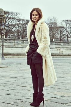 Stylish Christine Centenera in black & cream fur coat Street Style #pfw Paris #Fashion Week