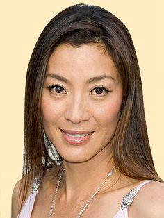 michelle-yeoh-tomorrow-never-dies-7.jpg (300×400)