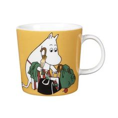 """Arabia's mug """"Moominmamma apricot"""" (Muumimamma aprikoosi) with elegant shape and kind motif from the Moomin world. Charming pottery from Finland. Secure payments and worldwide shipping within 24 hours. Moomin Shop, Moomin Mugs, Moomin Books, Ceramic Tableware, Ceramic Mugs, Troll, Magic Bag, Moomin Valley, Tove Jansson"""
