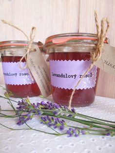 Levandulový rosol - 290ml Vyrobila jsem i pro Vás náš velmi oblíbený levandulový… Candle Jars, Candles, Raw Food Recipes, Lavender, Food And Drink, Honey, Vegetables, Drinks, Drinking