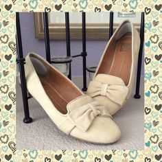 Check out DOLCE VITA Suede Bow Flats 10 on Threadflip!