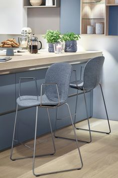 With the RBM Noor, you can truly make it your own. Pick and choose your favourite colours, materials and style to create a chair just for you. RBM Noor featured here in an upholstered version. #rbmnoor #homedecor #kitchendesign #kitchendecor