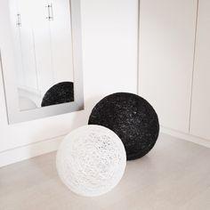 Un favorito personal de mi tienda Etsy https://www.etsy.com/es/listing/245643374/2-sphere-2-lamparas-esfera-blanca-y