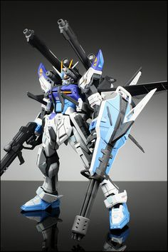 GAT-X105E Luka's Strike Gundam + I.W.S.P.