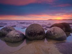 Moeraki Boulders, Otago, South Island, New Zealand, Pacific Photographic Print by Ben Pipe at AllPosters.com