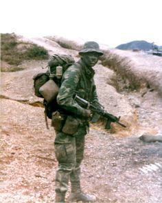 LRRP Teams in Vietnam | Puis le XM177E2 avec son canon plus long permettant le montage du ...