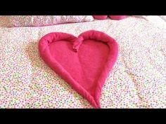 DIY: een hart vouwen van 1 rechthoekige handdoek, super easy - YouTube