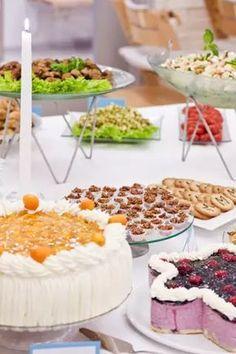 Suolaista ja makeaa juhlahetkeen Antipasto, Finger Foods, Party Time, Panna Cotta, Menu, Pudding, Baking, Ethnic Recipes, Desserts