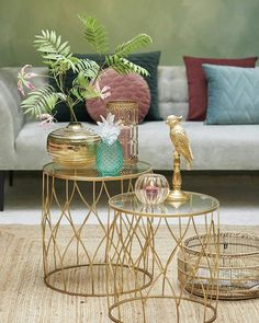 40 Trendy home living room diy side tables Bohemian Living Rooms, Diy Living Room Decor, Living Room Paint, Home Living Room, Living Room Furniture, Home Decor, Living Room Accessories, Trendy Accessories, Glass Side Tables