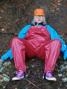 Lady relaxing in blue PVC rain jacket and red rain overalls Vynil, Vinyl Clothing, Rubber Raincoats, Rain Suit, Heavy Rubber, Rain Gear, Sport Wear, Overalls, Rain Jacket