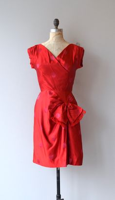 Cherchez la Femme dress | vintage 1950s dress | red silk 50s dress