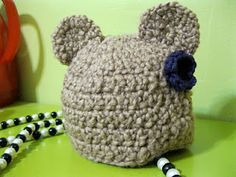 Free crochet bear hat pattern, works for boys and girls