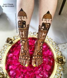 While those minimal bridal feet mehndi designs look super flamboyant, and somehow, the charm of the timeless leg mehndi designs is unparalleled. Wedding Henna Designs, Engagement Mehndi Designs, Basic Mehndi Designs, Latest Bridal Mehndi Designs, Legs Mehndi Design, Mehndi Designs 2018, Mehandhi Designs, Mehndi Designs For Girls, Mehndi Design Photos