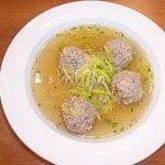 Praktická Kuchařka: Pórková polévka s masovými knedlíčky