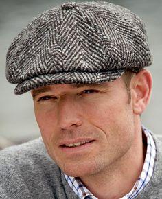 i'm going bald hat British Hats, British Style Men, Tweed, Gentleman Style, English Gentleman, Winter Hats For Men, News Boy Hat, Flat Cap, Mens Caps
