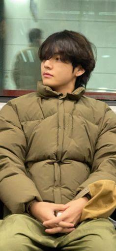 Kim Taehyung Funny, V Taehyung, Bts Photo, Foto Bts, Theme Bts, Bts Korea, Bts Video, Bts Pictures, Boyfriend Material