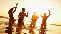la música se vuelve una experiencia al mezclarla con el mar