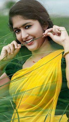 Beautiful Girl In India, Beautiful Girl Image, Beautiful Asian Girls, Beauty Full Girl, Cute Beauty, Beauty Women, Beautiful Bollywood Actress, Most Beautiful Indian Actress, Indian Actress Photos