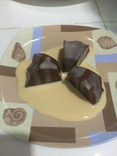 Teman-teman, apa kalian suka dengan puding coklat di Hoka Hoka Bento? Saya kalau ke HokBen suka membeli puding itu, rasa coklatnya pas begitu juga rasa manisnya. Ditambah saus coklat di atasnya yan…