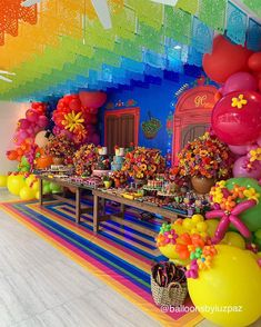 Colorful and beautiful Mexican party idea Fiesta Party Decorations, Balloon Decorations, Birthday Decorations, Party Themes, Party Ideas, Mexican Theme Dresses, Congrats Wishes, Oaxaca Wedding, Mexican Fiesta Party