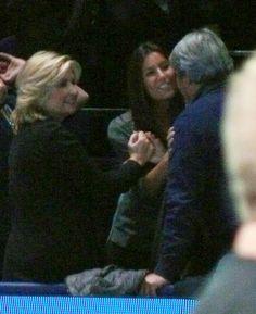 Ana Boyer, es saludada por los padres de Fernando Verdasco, en el ATP World Tour de Londres