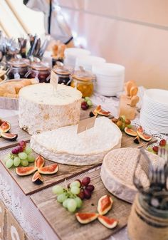 25 Autumn Wedding Food Ideas That Won't Blow Your Budget. This rustic cheese board spread is a fabulous alternative to traditional wedding cake and one that every guest will love! Find out more tasty ideas for your fall wedding on Wedding Ideas today! Wedding Reception Food, Wedding Table, Budget Wedding, Wedding Venues, Reception Ideas, Wedding Cakes, Wedding Tips, Wedding Stuff, Destination Wedding