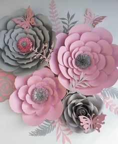 #paperflowers #handmade #paper #paperflorist #paperflowersbackdrop #floresdepapel #hechoamano #papercraft #crafting #babyshower #homedecor #partydecoration #nurserydecor #greyandpink #northcarolina
