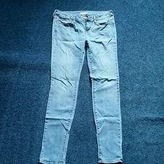 Light wash super-skinny jeans Light wash super-skinny jeans from pacsun! Size 9 Bullhead Jeans Skinny