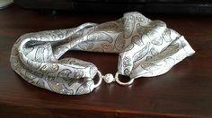 Foulard gioiello in seta Silk necklace