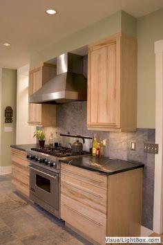 Kitchen Shop, Home Decor Kitchen, Diy Kitchen, Kitchen Design, Kitchen Paint, Country Kitchen, Green Tile Backsplash, Kitchen Backsplash, Kitchen Cabinets