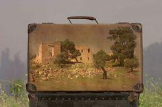 スーツケースに写真を刻んだノスタルジックな作品「Memory Suitcase」