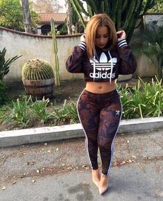 Looking for adidas tracksuit Style Outfits, Dope Outfits, Fashion Outfits, Gym Outfits, Curvy Outfits, Fashion Killa, Girl Fashion, Womens Fashion, Pantalon Vinyl