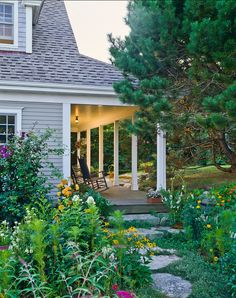 Garden Back Porch And Landscaping Idea, Beautiful Backyard. Cottage Homes, Cottage Style, Outdoor Spaces, Outdoor Living, Outdoor Retreat, Dream Garden, Home And Garden, Decks And Porches, Front Porches