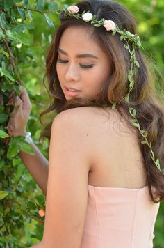 Because she truly loved the charming elements of nature, she first wore a pink flowy gown accentuated with pearls and floral crowns. Pre Debut Photoshoot, Flowy Gown, Debut Ideas, Wedding Headdress, Floral Crowns, Fitness Models, Female Fitness, Floral Wedding, Fit Women